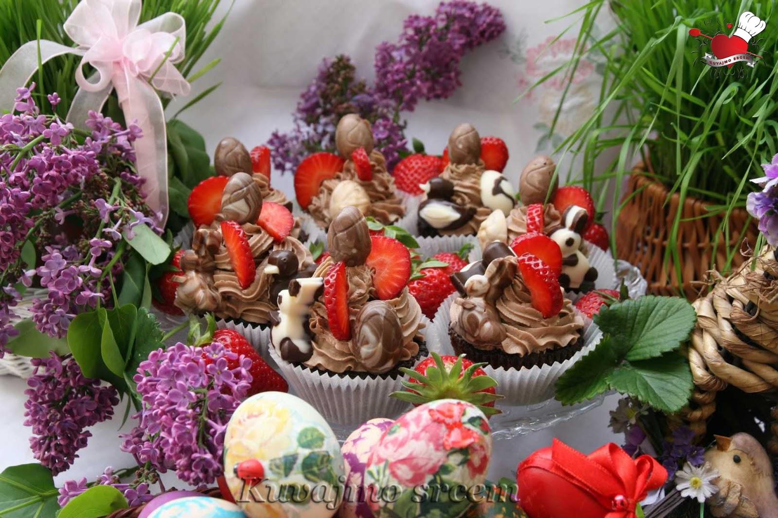 Uskršnji čokoladni mafini sa jagodama