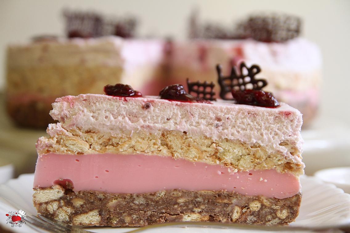 Torta boje purpura